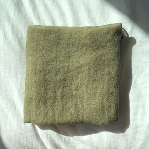 Zara linen scarf in faded army green, OS